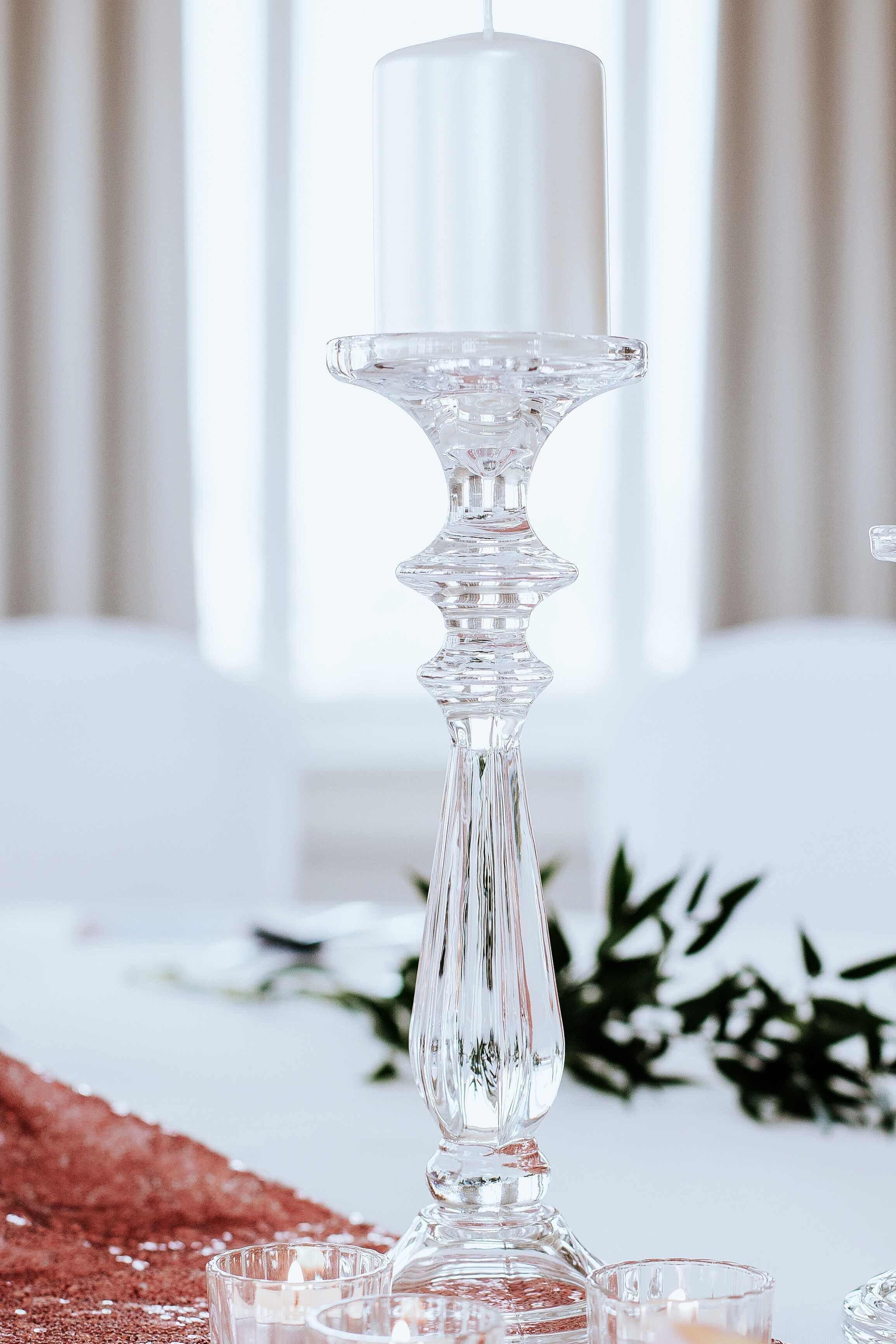 Kryształowy świecznik wysoki
