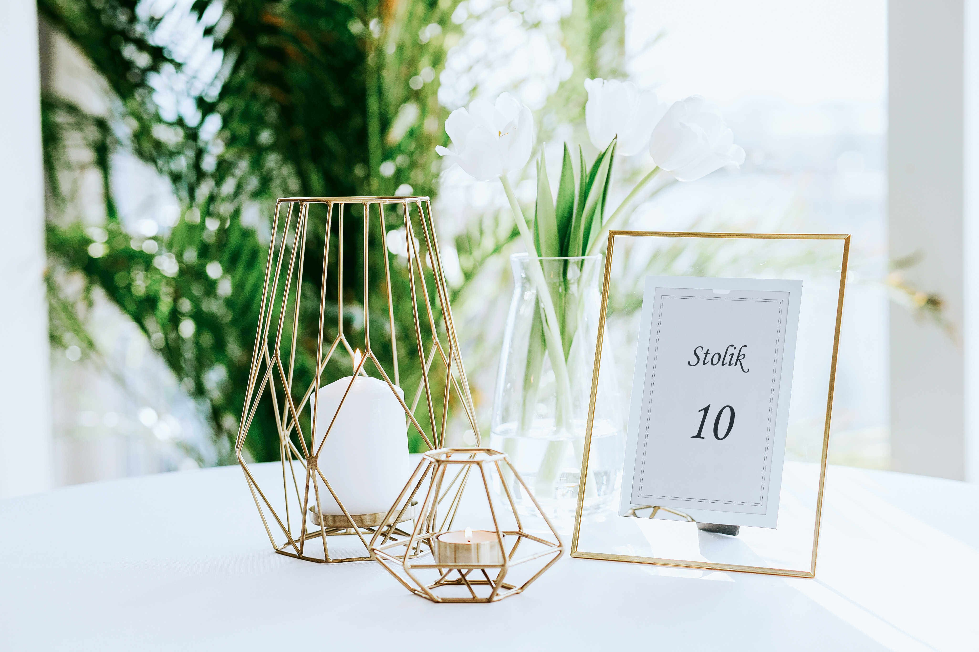 Przykład dekoracji ślubnej złota